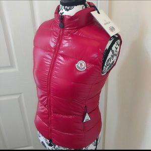 Moncler Juniors shiny puffer vest raspberry